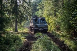 Abb.: Bandvagn 410 bei einer Übung in der schwedischen Region Vättern (Daniel Klintholm/Försvarsmakten)
