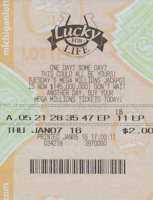 Robert Carmona's winning Lucky For Life ticket.