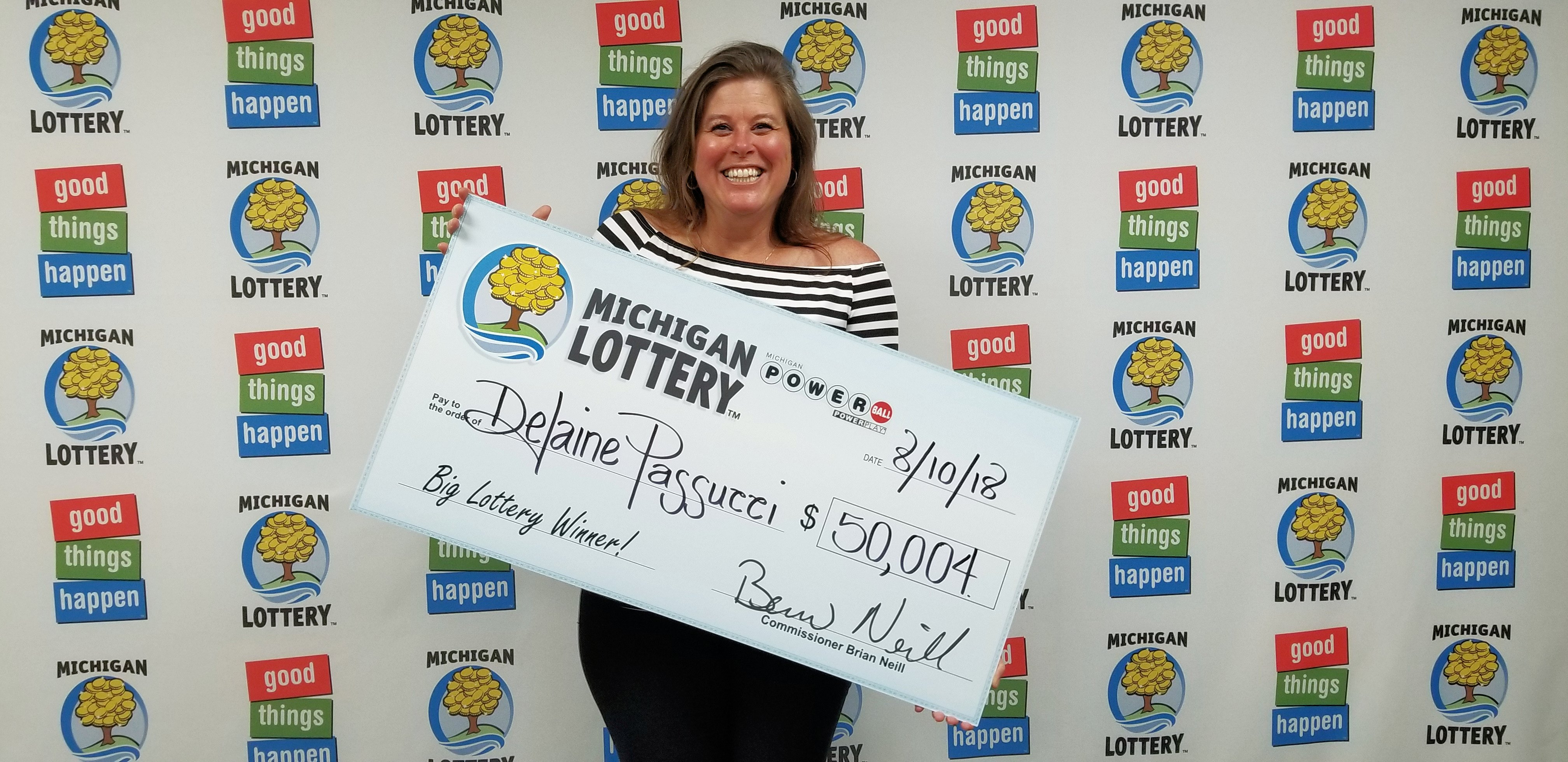 Canton Woman Wins 50 004 Powerball Prize From The Michigan Lottery