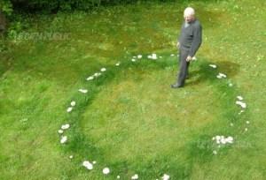depuis-plusieurs-saisons-michel-cure-voit-s-installer-dans-son-jardin-un-rond-de-sorciere-photo-bruno-thiebergien