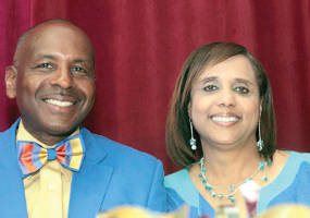 Picture of Bishop Walter Harvey at Inner City Workers Conference Banquet.