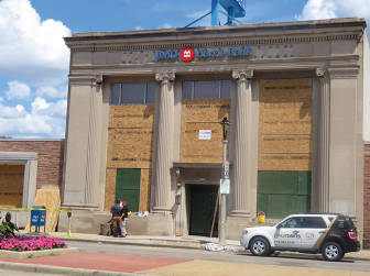BMO Harris Bank on Sunday afternoon after the riot. (photo by Karen Stokes)
