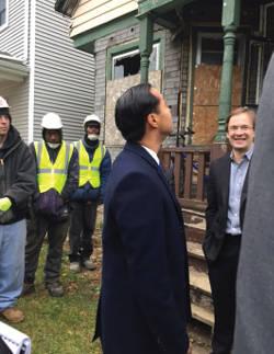 HUD Secretary Julian Castro tours construction site in the Sherman Park neighborhood. (Photo by Karen Stokes)