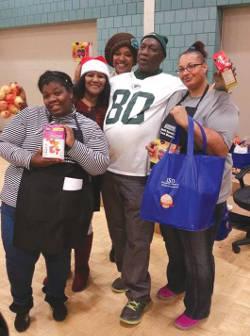 lena-taylor-growing-power-free-christmas-mobile-food-pantry