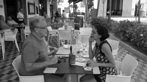 Mildred Largaespada entrevista a Jon Lee Anderson. Photo by PCaldentey.