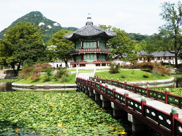Pabellón Hyangwonjeong Seul