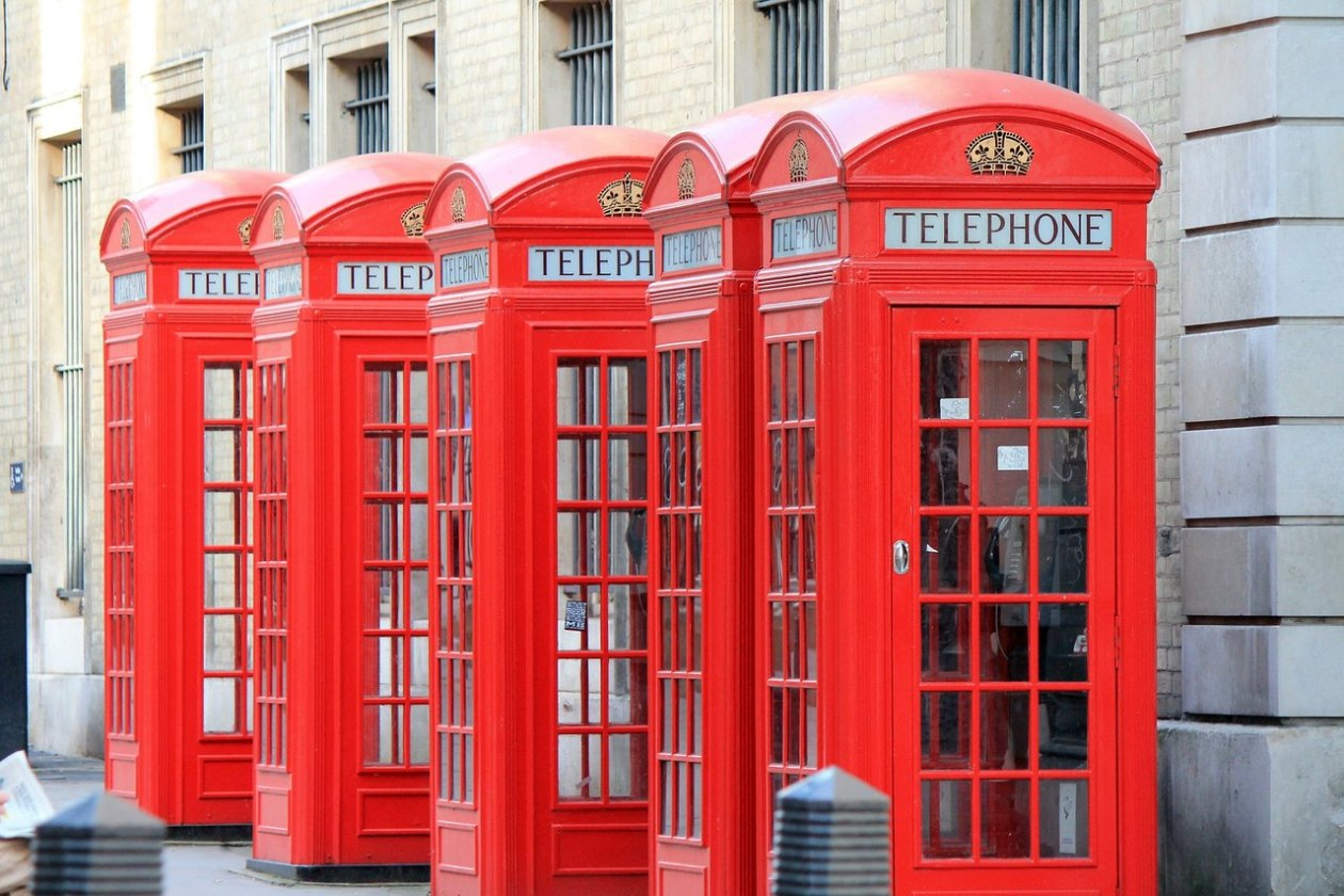 telephone-booths-256713_1920_Easy-Resize.com