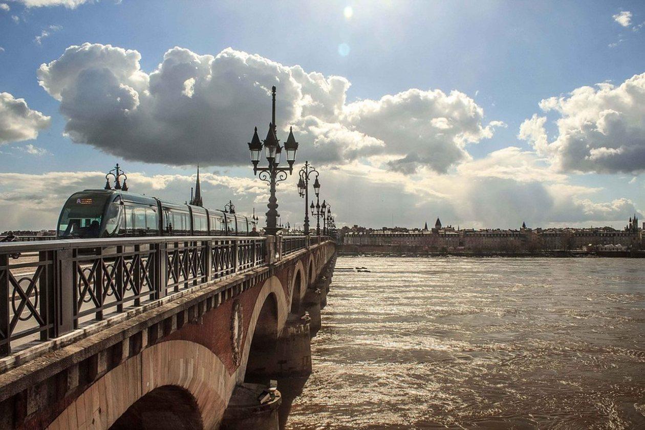 Pont Pierre Burdeos