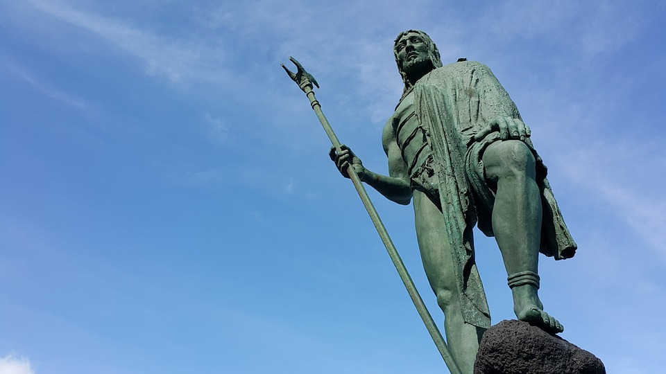 Guanches: así eran y así vivían los (altísimos) aborígenes de Canarias