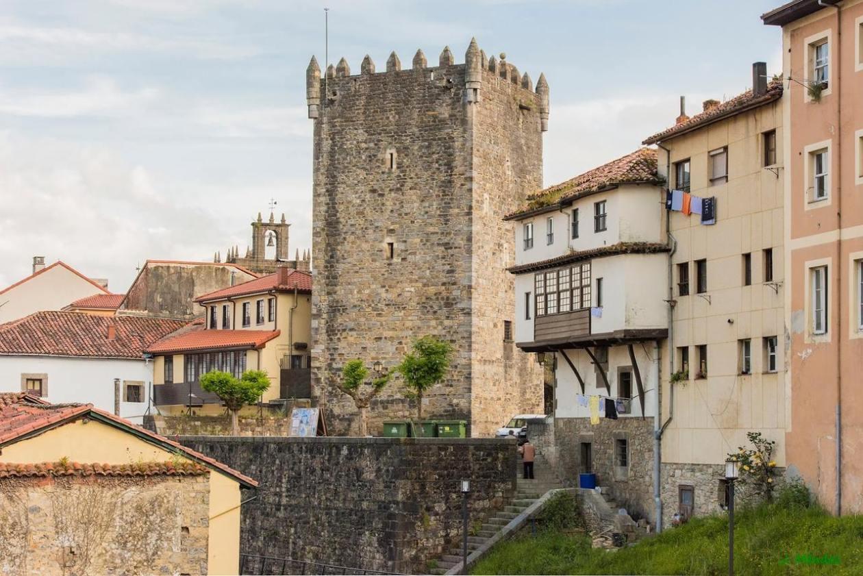 Castillo Valdes Salas