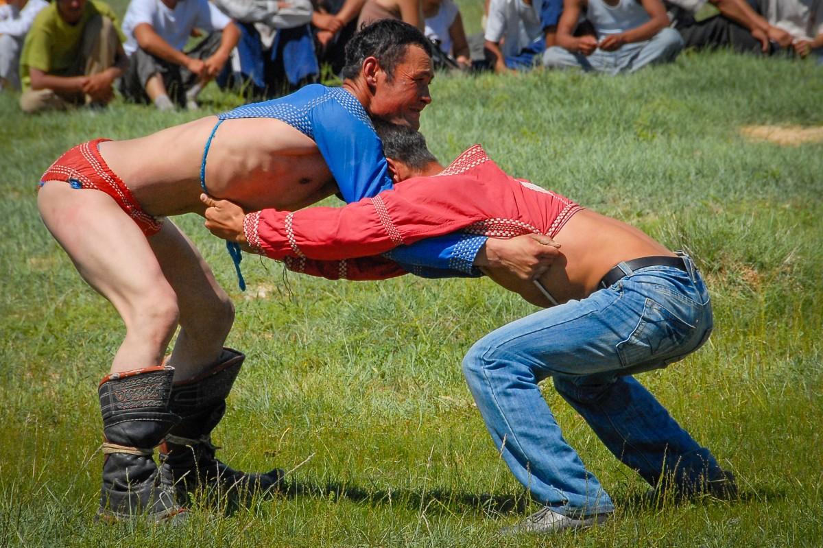 Lucha mongola