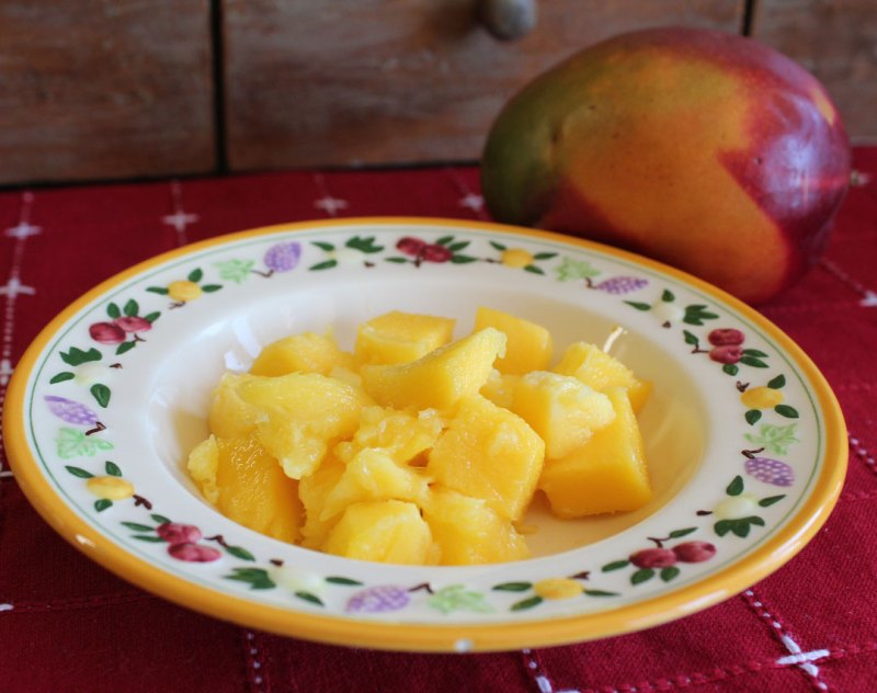 mango in a bowl