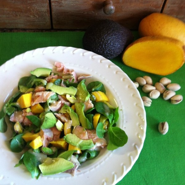mache-salad-salmon