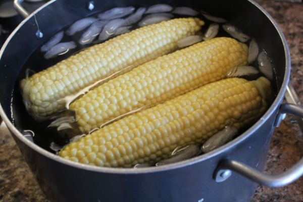 ice the cooked corn
