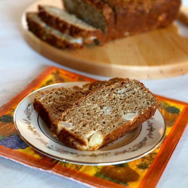 vanilla pear oatmeal quickbread