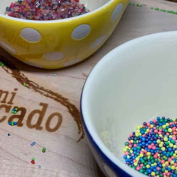 Sparking sugars to decorate cookies