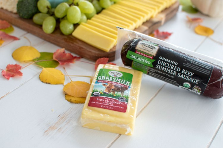 Easy Thanksgiving Cheeseboard that you can prep ahead to save time on Thanksgiving Day! Get the recipe for this easy cheeseboard for Thanksgiving, made with Organic Valley Grassmilk Raw Sharp Cheddar Cheese and Organic Prairie Uncured Beef Summer Sausage #cheeseboard #thanksgiving #prepahead #appetizer #organic #organicthanksgiving #organicvalley