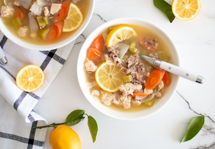Super easy homemade soup recipe, chicken and rice soup, chicken wild rice soup, lemon chicken soup, meyer lemon recipes, chicken noodle soup alternative #meyerlemon #chickenricesoup #chickensoup #lemonsoup #chickenlemonsoup