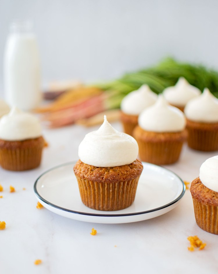 carrot cupcakes recipe, carrot cupcakes cream cheese frosting, carrot cupcakes gluten free, the best carrot cupcakes, easy carrot cupcakes, carrot cupcakes recipe easy, carrot cake cupcakes easter