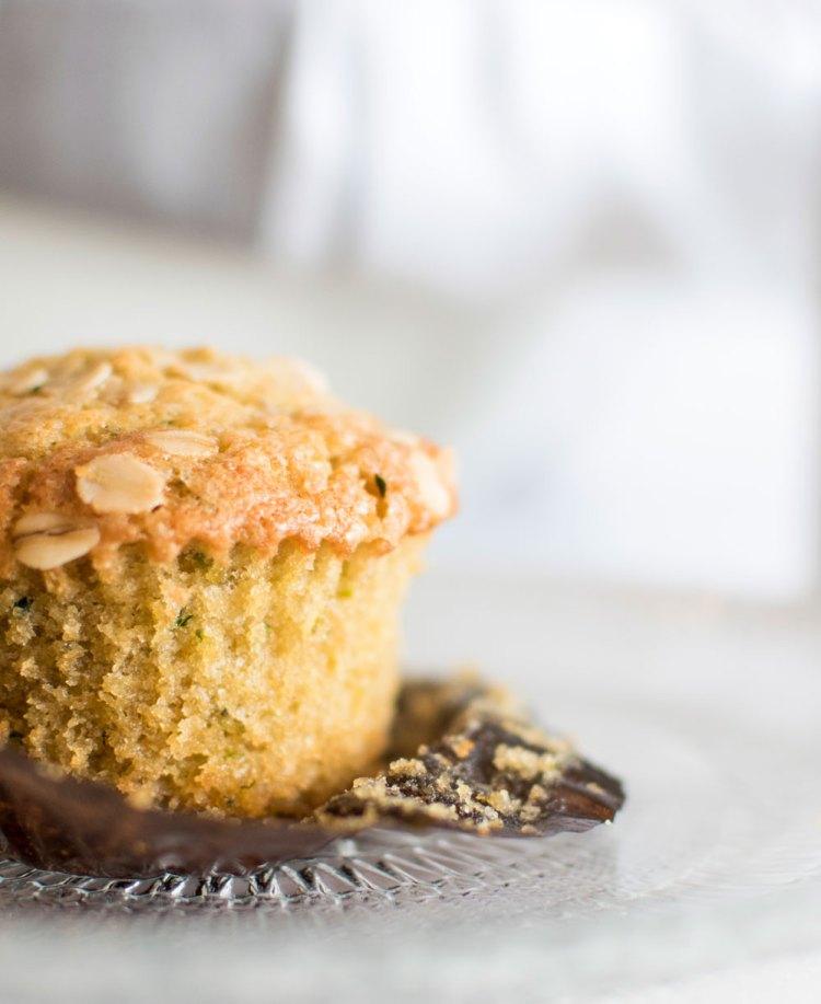 Lemon Zucchini Muffins recipe. Easy lemon zucchini bread muffins are healthy and delicious. Healthy zucchini muffins with lemon for high altitude baking. The best lemon zucchini muffins recipe. #muffins #lemonzucchini #lemonmuffins #zucchinimuffins