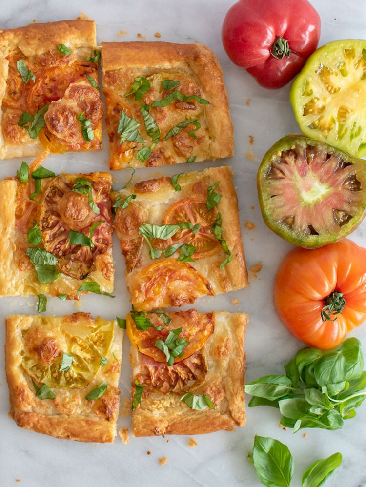 Easy quick and simple heirloom tomato basil galette, pizza, pie, tomato basil, heirloom tomatoes, organic, high altitude baking, high altitude #organic #organicgalette #pizza #snack #appetizer #dinner #lunch
