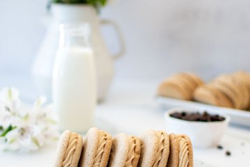 Dirty chai sandwich cookies. Recipe for dirty chai cookies. Dirty chai cookies recipe. Easy dirty chai cookie recipe. High altitude dirty chai cookie recipe. Gluten free dirty chai cookie recipe.