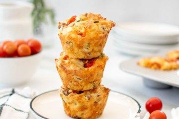 Savory Sausage Cheddar Muffins recipe. The best savory muffin recipe. The best cheese muffin recipe. Easy savory muffin recipe. High altitude savory muffin recipe. Organic muffin recipe. Easy breakfast muffin recipe.