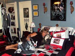 twilight fan's bedroom
