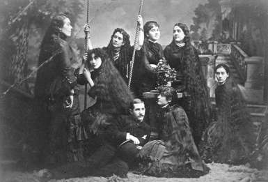 by Major Matthews, James Skitt, ca 1900. http://searcharchives.vancouver.ca/seven-sutherland-sisters-2;rad
