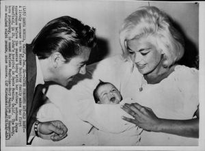 Jayne and Mickey Hartigay with newborn daughter