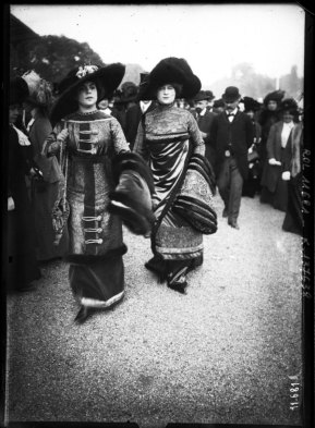 1910 Image: Agence Rol/Gallica via Europeana