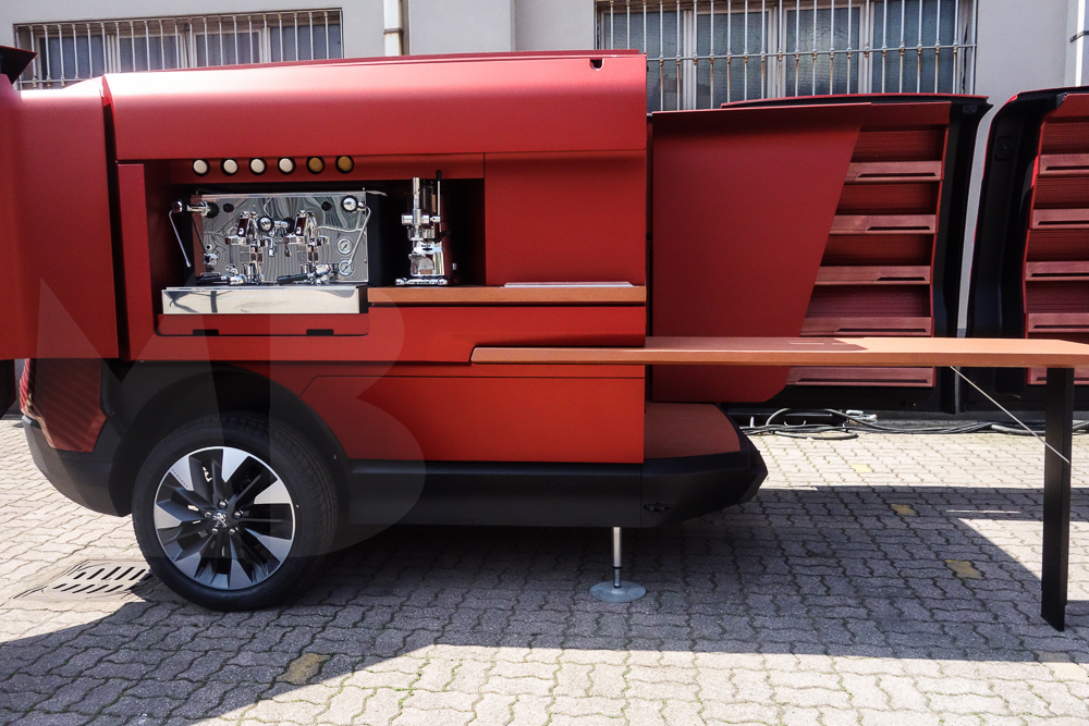 Mobile kitchen by Peugeot Design Lab