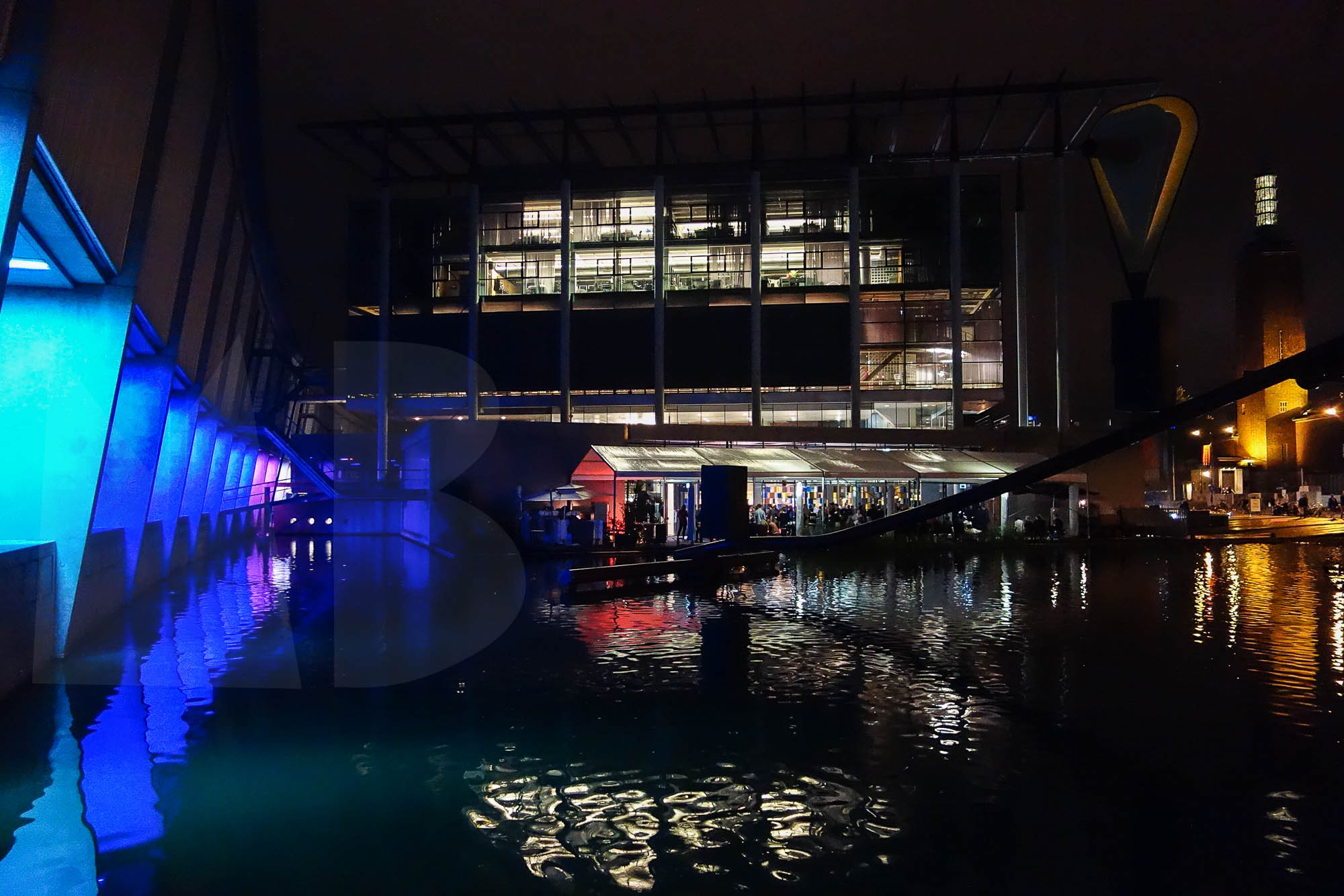 The New Intitute by Night at the opening of the fashion exhibition