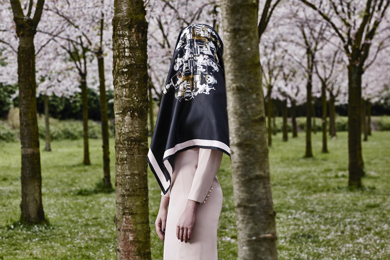 Headless girl 2 Mimi Berlin Photography