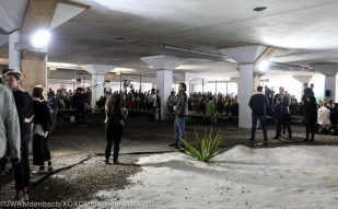 The runway was staged between the concrete pillars of a section of the A10 Amsterdam city ring highway overpass, near the WOW complex in the Bos en Lommer district.