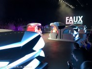 Closing Show at Amsterdam Fashion Week: Maison The Faux