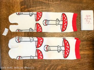 Kyo-to-to mushroom tabi socks