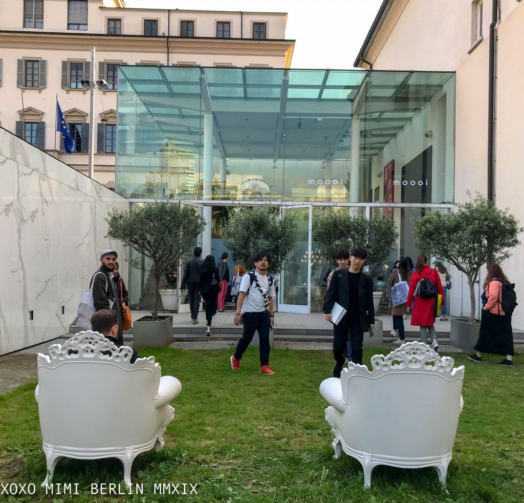 Mendini cinema and chairs