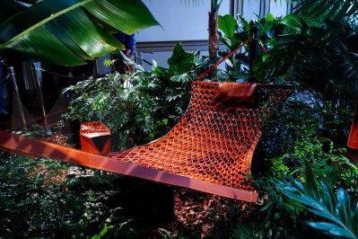 Collection Objets Nomades, Louis Vuitton. Atelier Oi, Hammock