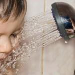 【夏でも赤ちゃんはシャワーだけはNG!?】赤ちゃんの夏のお風呂の入れ方