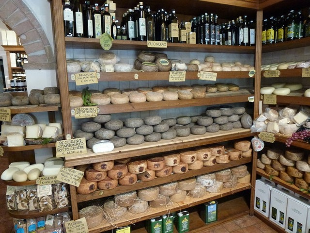 small food shop in Tuscany