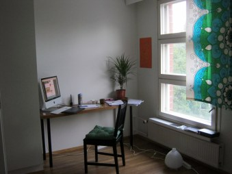 Pracovňa!!!! (pôvodne spálňa, ale nepotrebujeme toľko miesta) / Työhuone (ensiksi makuuhuone, mutta emme tarvitse paljon tilaa)