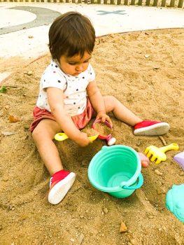 Jugar con la arena es un must