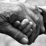 Los abuelos y los niños: beneficios de una maravillosa relación