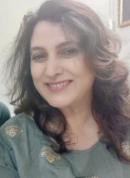 I am Minal, a food blogger, a food stylist, a recipe developer, a food photographer who blogs vegetarian recipes..