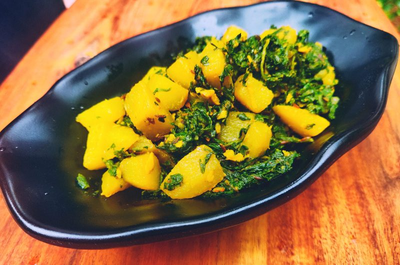 Aloo palak bhaji ( spinach and potato dry curry)
