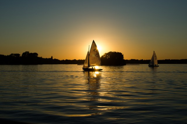Sailboats-license-free-CC0-980x649