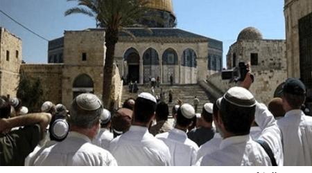 160 PEMUKIM ISRAEL SERBU MASJID AL-AQSA