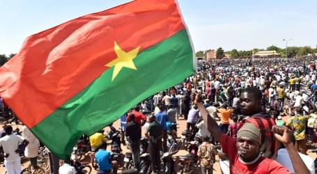 OPOSISI BURKINA FASO DAN UNI AFRIKA TOLAK MILITER BERKUASA