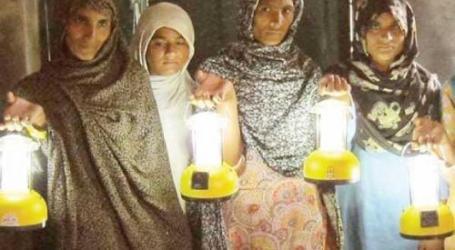 DI PAKISTAN, LAMPU TENAGA SURYA BAWA KESEJAHTERAAN BAGI WANITA